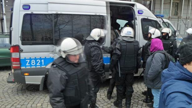 Interwencja policji przy Smolnej tvnwarszawa.pl