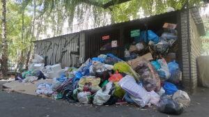 Śmieciowy kryzys coraz bliżej. Prezydent ma inne priorytety