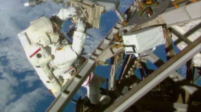 Kosmiczne spacery zakończone sukcesem. Astronauci wrócili na pokład ISS