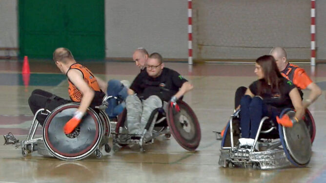 """Rugby na wózkach. Sport, który """"wydaje się bardzo agresywny"""""""