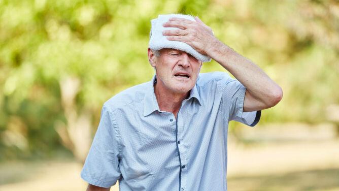 Lato sprzyja omdleniom. <br />Jak pomóc osobie, która zasłabła?
